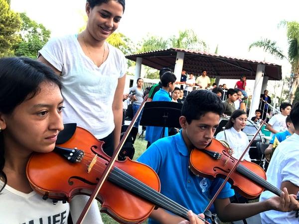 Orquesta de Centro Fox en la Comunidad El Capricho