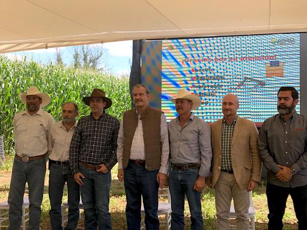 Vicente Fox presenta el proyecto de Revolución Amarilla en Aguastaclientes.