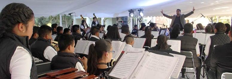Orquesta de Centro Fox demuestra que la música no tiene fronteras.jpg