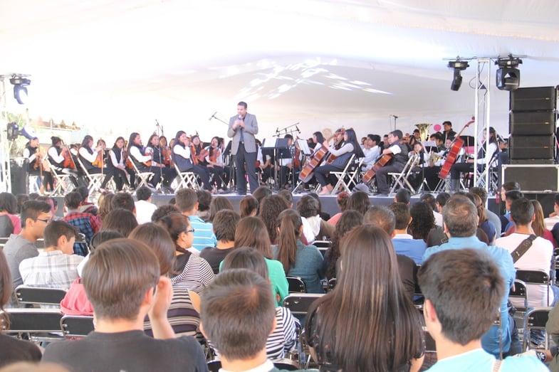 Orquesta de Centro Fox demuestra que la música no tiene fronteras3.jpg